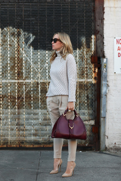 leather bag blogger sunglasses brooklyn blonde turtleneck knitwear beige burgundy fall outfits