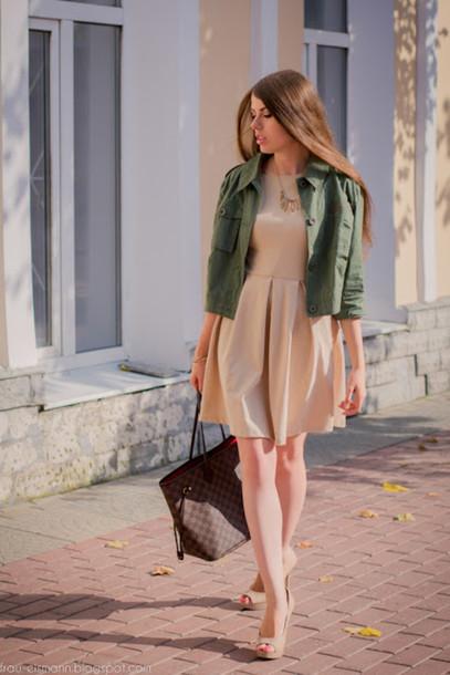 cea15122f05e frau eismann coat dress jewels bag shoes