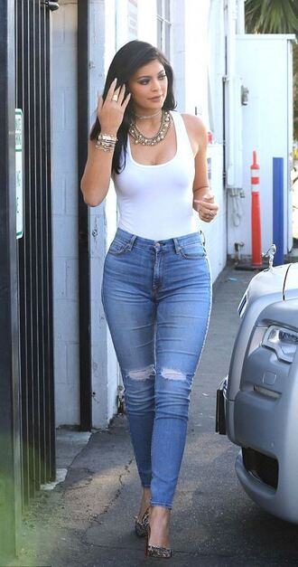 jeans top bodysuit kylie jenner pumps tank top necklace shoes blue jeans jewels bracelets stacked bracelets gold gold bracelet kylie jenner jewelry jewelry statement necklace celebrity style keeping up with the kardashians shirt white body denim kardashians