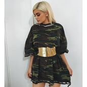 dress,kylie jenner,green,belt,blonde hair,dark,camouflage,gold belt,cute,t-shirt dress,t-shirt,khaki,army green top,army green,oversized,oversized t-shirt,shirt,army print,gold,instagram,kimkardashian #