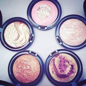 make-up mac cosmetics perfect pink shimmery amazing purple cream gold holiday gift date outfit