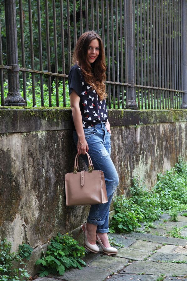 irene closet bag shoes t-shirt jeans