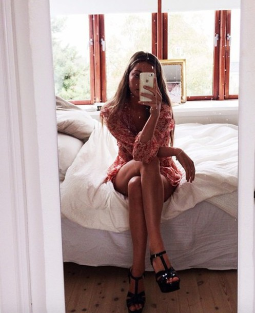 dress red cute pretty floral dress long sleeve dress long sleeves short dress