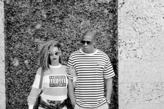 sweater alexander wang beyoncé white parental advisory explicit content jay z stripes beyoncé shirt