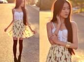 skirt,high waist skirts,crop tops,white crop tops,high socks,knee high socks,tank top