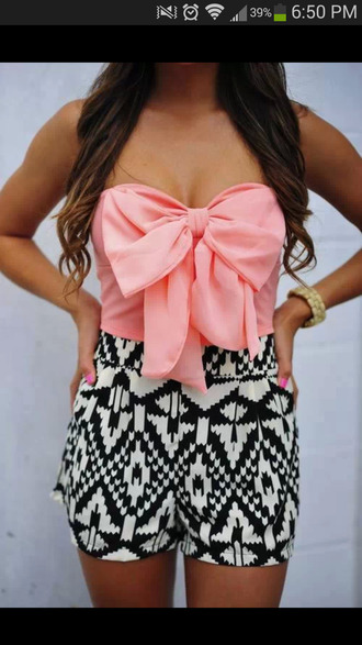 blouse skirt shorts aztec print black and white shirt romper aztec short pink bow aztec shorts tank top dress pink crop tops bow tube top high waisted shorts pink bow crop top top aztec cute