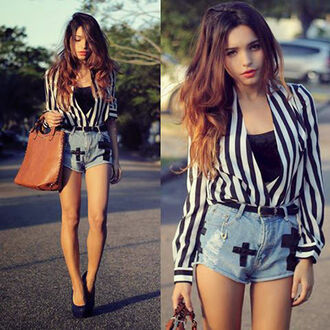 blouse black white striped shirt striped blouse stripes black and white cross cross shorts denim denim shorts high waisted shorts high waisted denim shorts acid wash lightwash denim lightwash denim shorts belt black belt high heels stilettos black stilettos black  high heels bag shorts shoes