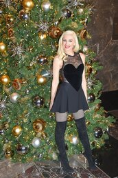 dress,gwen stefani,black dress,little black dress,heart,boots,mini dress