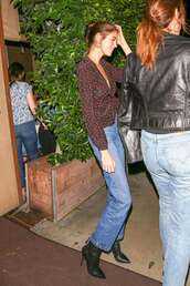 top,kaia gerber,model off-duty,fall outfits,boots,celebrity,blouse,polka dots
