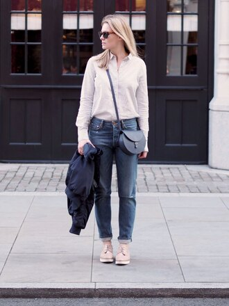 style and minimalism blogger jeans shirt sunglasses bag jewels