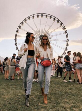 pam hetlinger the girl from panama blogger jeans t-shirt jacket shoes belt bag sunglasses