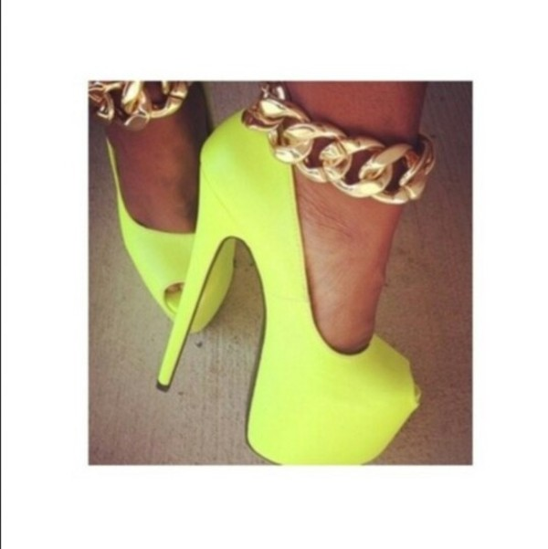 shoes neon yellow shoes gold chain