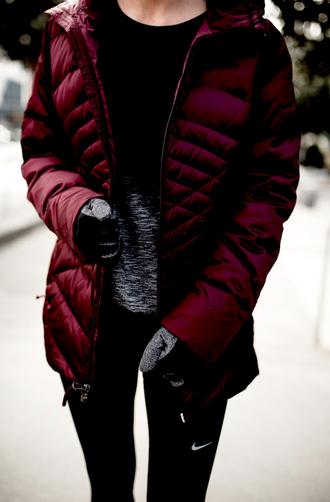 krystal schlegel blogger t-shirt leggings shoes underwear gloves jacket winter outfits sportswear nike