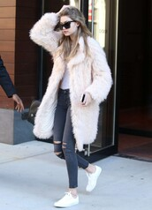 coat,jeans,sneakers,gigi hadid,model off-duty,fur,sunglasses,streetstyle,shoes,big fur coat,white coat,fur coat,ripped jeans,black jeans,cat eye,black sunglasses,low top sneakers,white sneakers,white fur coat,winter outfits,winter look,long fur coat,white oversized coat