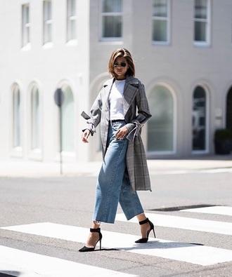 coat grey coat grey trench coat plaid plaid coat black heels trench coat white t-shirt t-shirt jeans denim blue jeans heels high heels