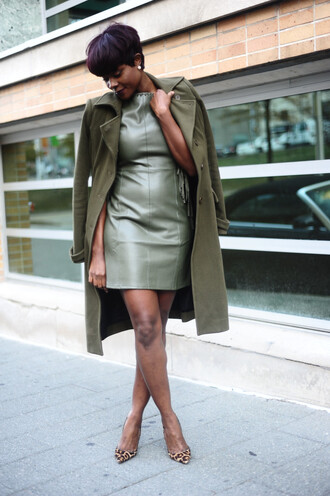 skinny hipster blogger make-up dress coat shoes jewels leather dress green coat green dress high heel pumps pumps