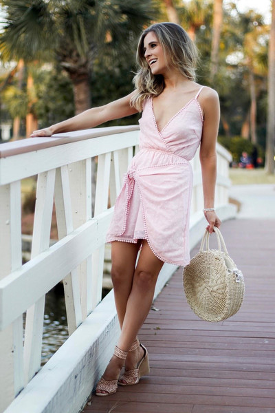 thedaintydarling blogger dress shoes bag jewels make-up straw bag spring outfits wedges round bag wedge sandals wrap dress pink dress