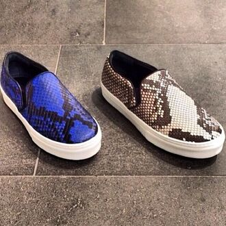 shoes blue flat shoes snake snake print sneakers beige