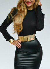 skirt,leather skirt,jupe,faux cuir,cuir,belt,gold,gold belt,black and gold dress,gold metallic plate,waist belt,metallic gold,thick,metal gold belt,black leather skirt,high waisted skirt,black skirt,leather,metal,top,jewels,clothes,jewelry,bracelets,blouse,gold jewelry,black,high waisted
