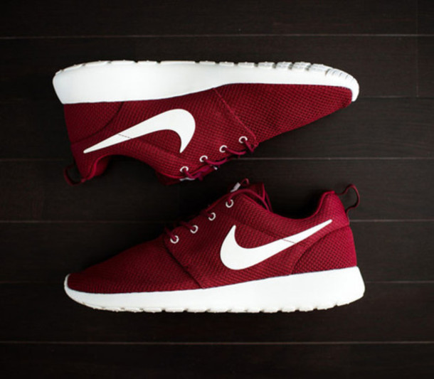 nike red sneakers nike sneakers shoes burgundy nike roshe run roshe runs  burgundy socks maroon nike