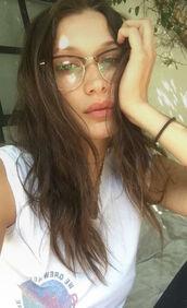 sunglasses,glasses,bella hadid,model off-duty,top,t-shirt,snapchat