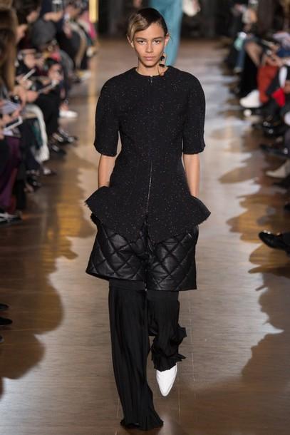 shorts top\ pants all black everything fashion week 2016 paris fashion week 2016 stella mccartney runway