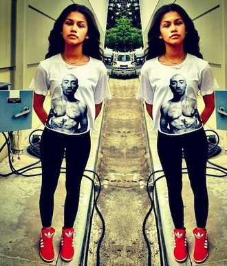shirt zendaya black white tupac shoes leggings cool shirts