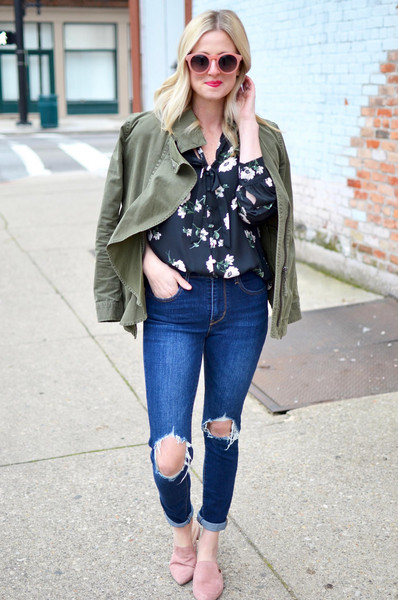 out+outfit blogger blouse jeans jacket sunglasses green jacket floral top loafers spring outfits