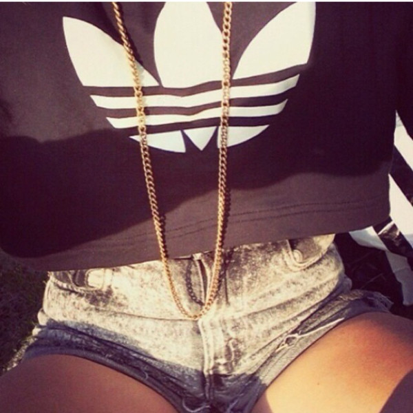 sweater shorts jewels shirt