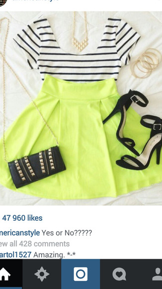 black shoes shoes blouse green skirt gold jewelry black bag with gold details