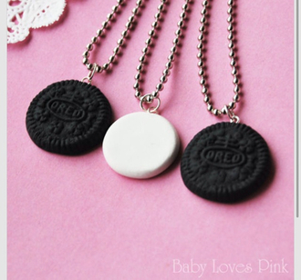 jewels oreo oreos cream necklace cute jewls jewelry chain white black cookies cookie yummy three friends friendship necklace friendship cool bbf