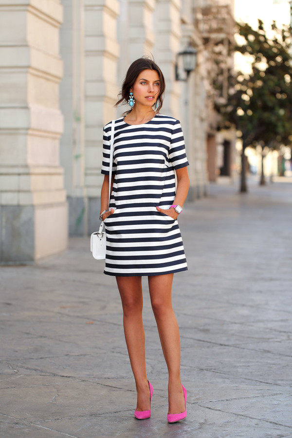 viva luxury bag shoes jewels dress black and white dress pocket dress mini dress striped dress stripes short dress white bag blogger pumps pink pumps high heel pumps pointed toe pumps short sleeve short sleeve dress earrings