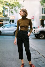 pants,brown turtleneck top,black pleated pants,red shoes,blogger
