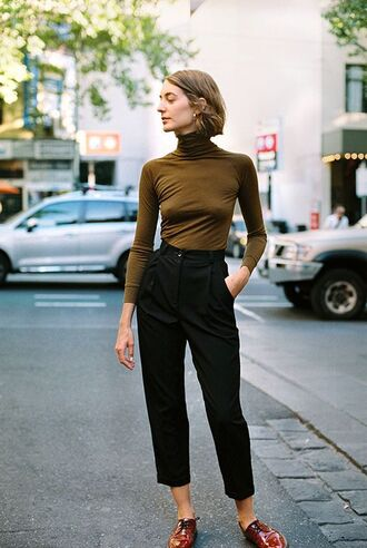 pants brown turtleneck top black pleated pants red shoes blogger