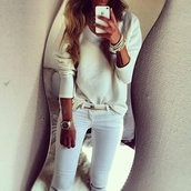 jeans,beautiful,white,gold,sweater,jewels,creme,oversized,knit,cream,chiic,cozy,shirt,winter sweater,white jeans,belt,jewls,gold belt,iphone,tumblr outfit,watch,oversized white sweater,knitted sweater,metallic gold,gold watch,arm candy,bracelets,statement necklace,pearl,gold chain,white sweater,v neck,metal gold belt,blouse,summer outfits,cute,long sleeves,jumpsuit
