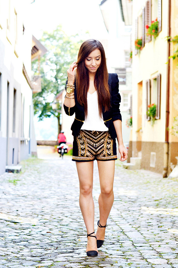 flirting with fashion jacket t-shirt shorts shoes