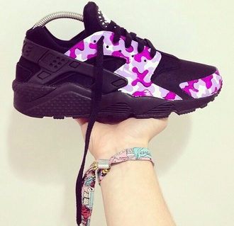 black nike pink nike huarache nike running shoes nike free run nike sneakers nike camouflage tribal pattern nike tribal shoes aztec aztec nikes shorts shoes