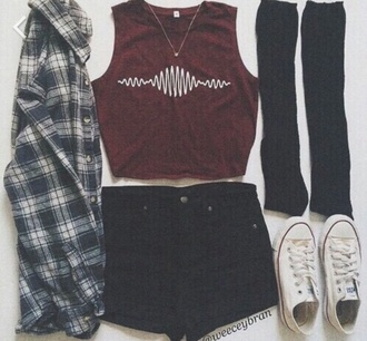 shorts bordeaux red wine black grunge black shorts flannel shirt crop tops converse outfit