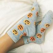 socks,sock,fall outfits,pumpkin,grey,winter outfits