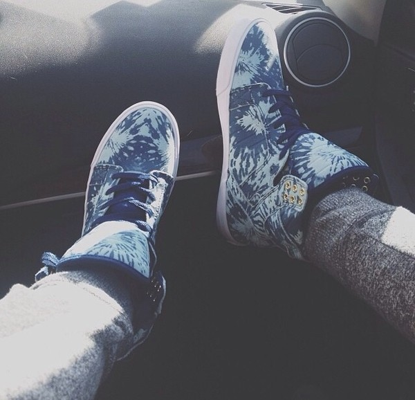 shoes sneakers high tops high top sneakers blue cute cool