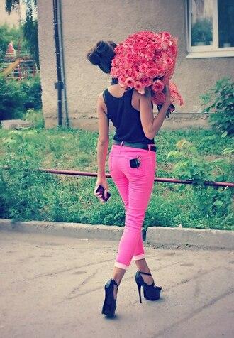 jeans pink jeans top black top tank top casual chic black tank top belt black belt high heel sandals sandals black sandals flowers