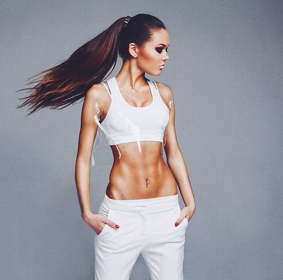 fashion beauty style make-up model hair updo fitness sportswear