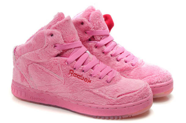 shoes fluffy cute trainers Reebok hello kitty pink ad5e45365