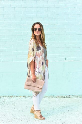live more beautifully blogger jeans jewels sunglasses bag shoes tank top