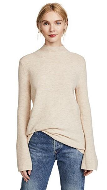 Club Monaco sweater pale