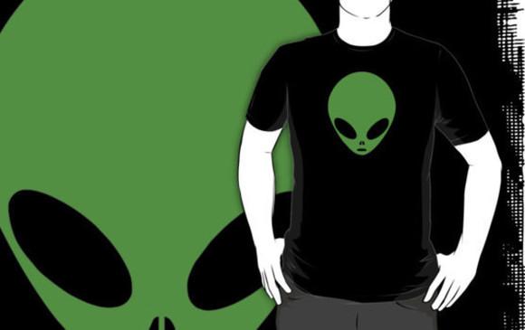 green t-shirt ufo t-shirt