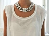 jewels,necklace,chain,silver,big,white top,shirt