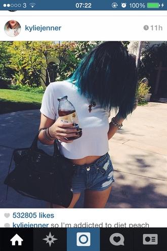 belt shirt white top kylie jenner kardashians blue hair brandy melville white shirt t-shirt white shorts