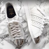 shoes,white,metal toe,leather,superstar,adidas