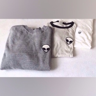 shirt t-shirt alien cute alien shirt grey gray hoodie brandy melville grey shirt grey hoodie white white top white t-shirt black alien cropped t shirt black alien shirt white tee shirt